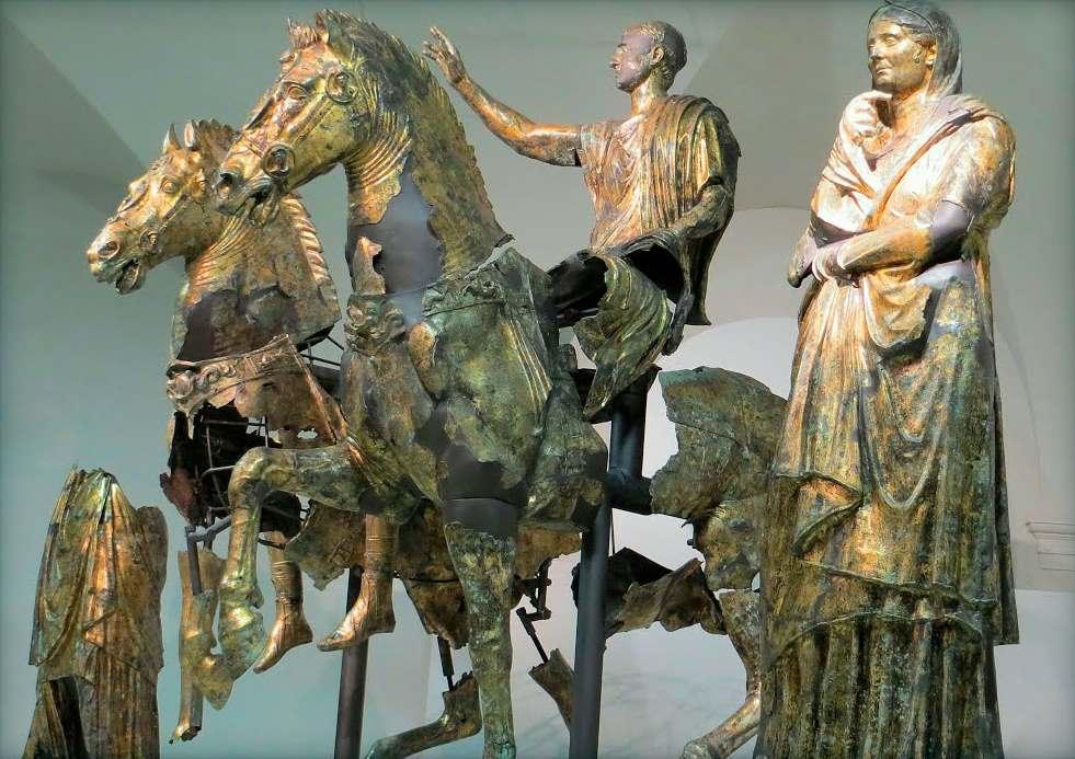 фото экспонатов музея Пергола