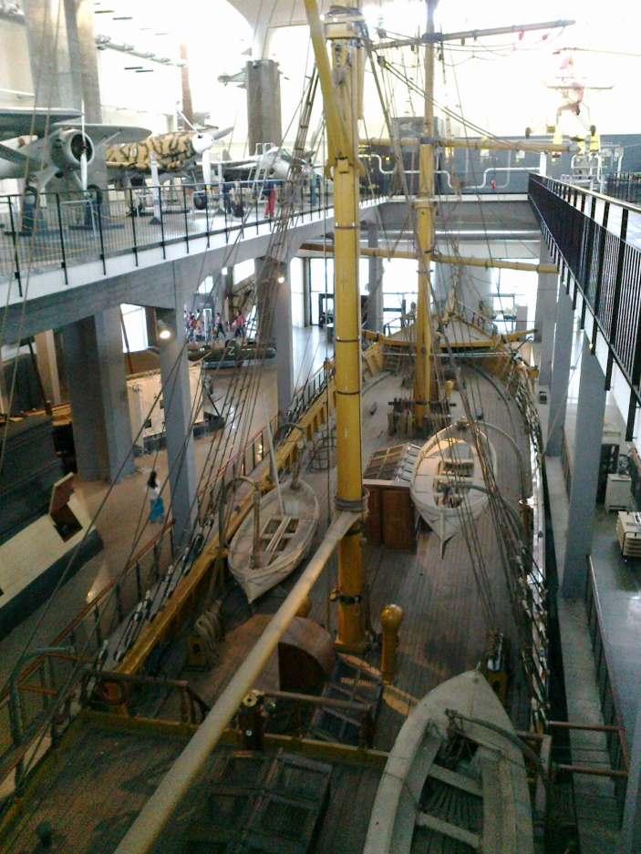 фото шхуны сверху в Музее науки и техники имени Леонардо да Винчи Милан