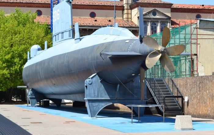 фото современной итальянской подводной лодки в музее Науки и техники Леонардо да Винчи
