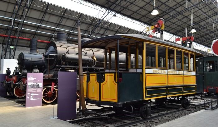 фото экспозиции трамваев в музее Науки и техники Леонардо да Винчи
