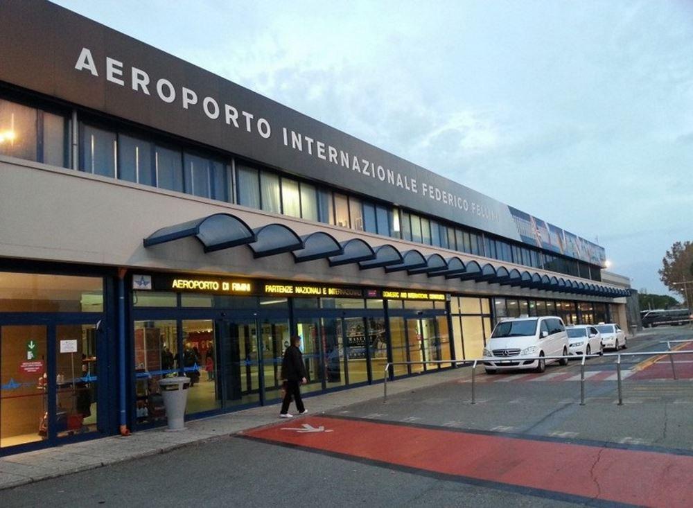 фото здания аэропорта Римини имени Федерико Феллини