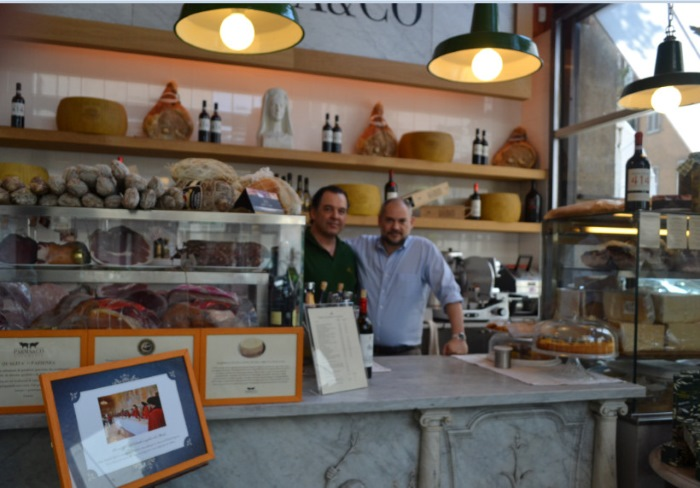 фото владельцев ресторана PARMA&CO в Милане
