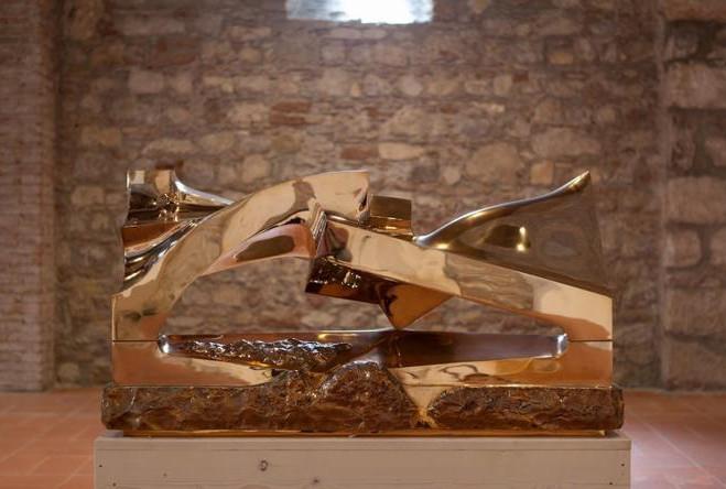 фото Бронзовая арка, Джио Помодоро, Таормина