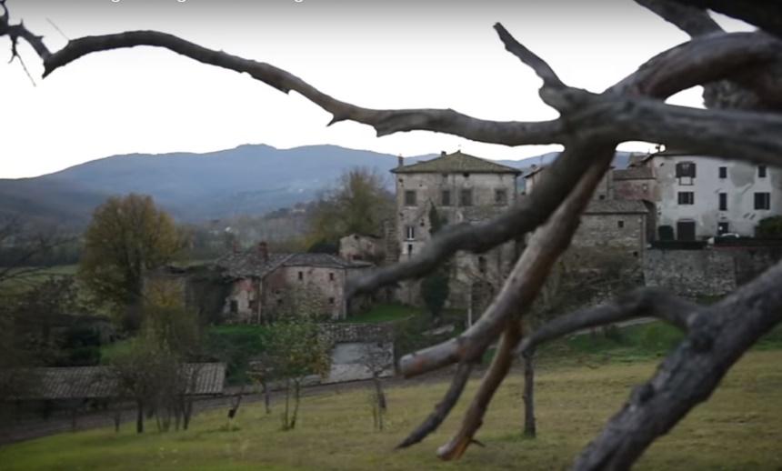 фото castello di Sorci, где обитает привидение