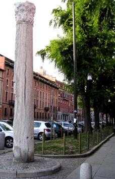 фото колонны Дьявола Милан