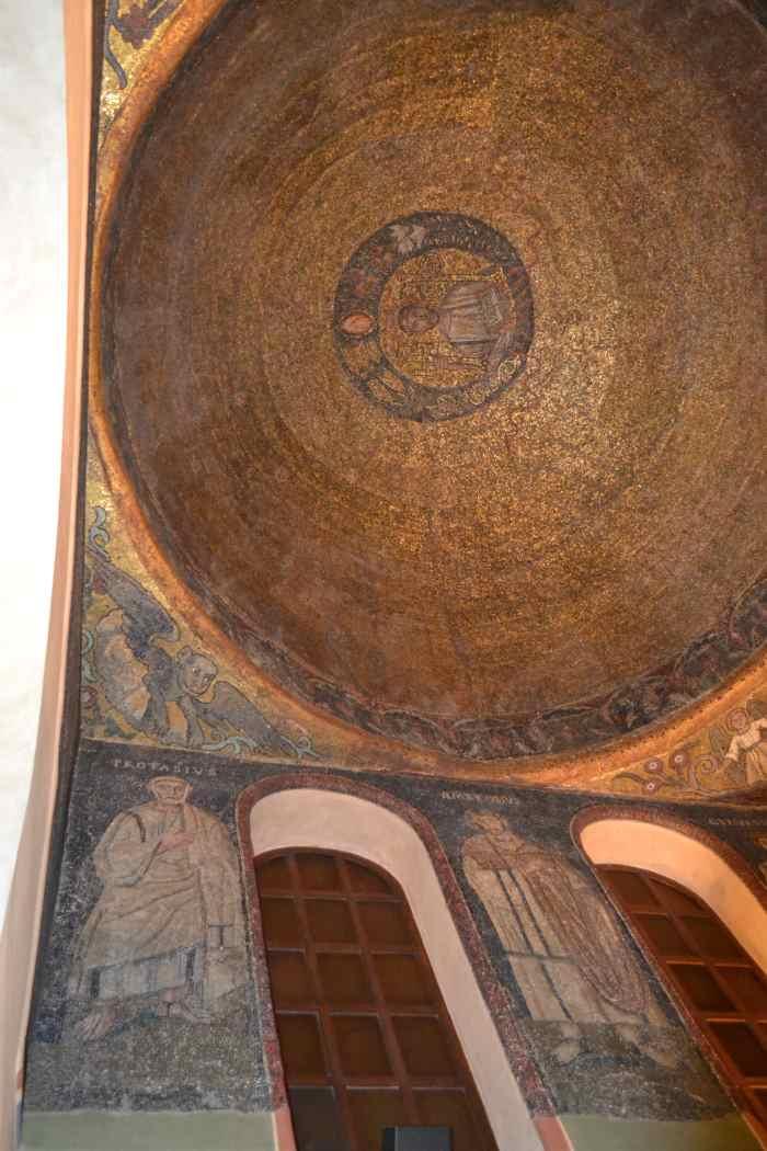 фото купола Св.Амброзио в базилике, Милан
