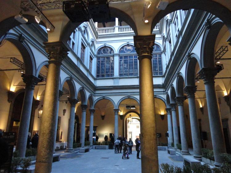 фото Внутреннего двора палаццо Strozzi, Флоренция