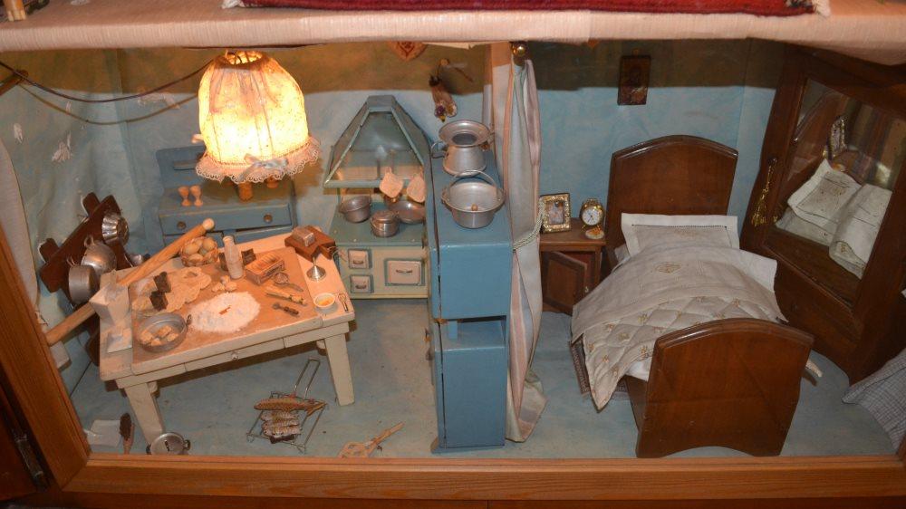 фото кукольного домика в музее кукол в Равенне