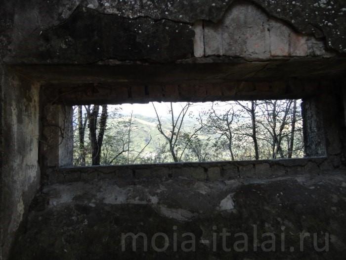 po-sledam-benito-mussolini-chiast-pervaia-zamok-v-predappio-15