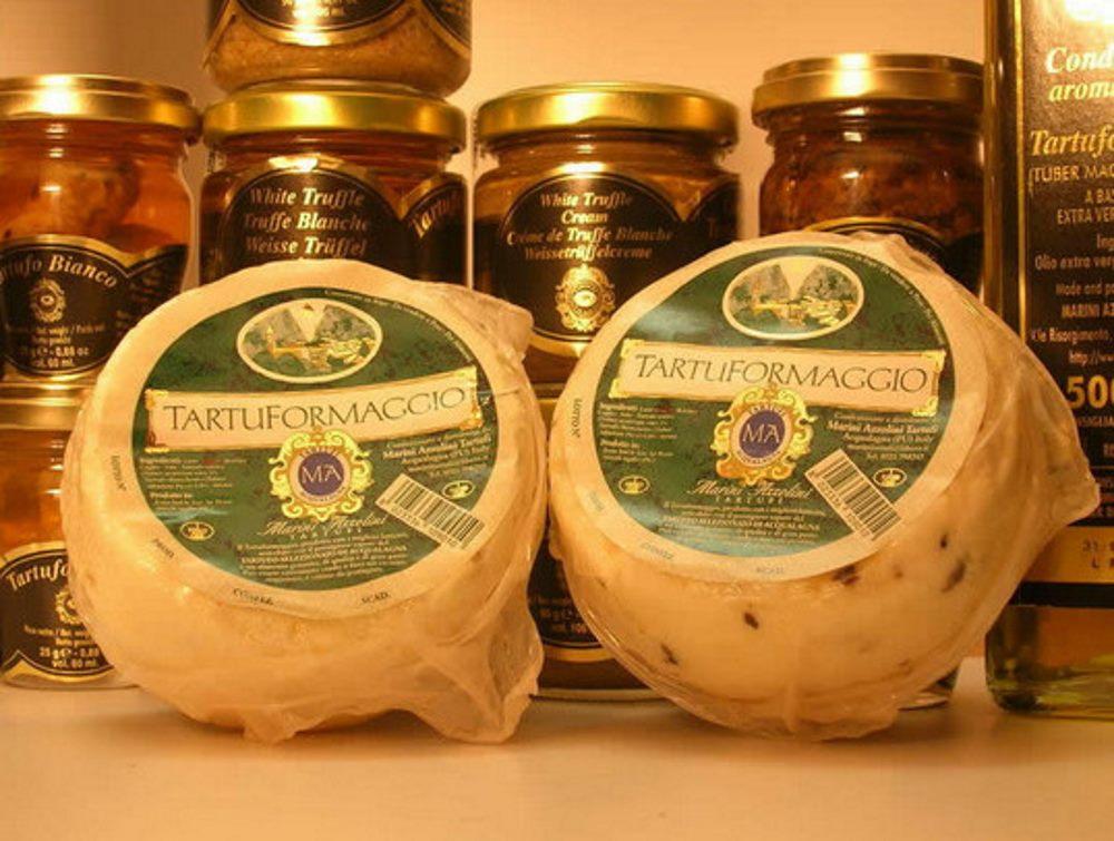 фото трюфелей в масле, грибная икра, масло с ароматом трюфелей и сыр с трюфелем.