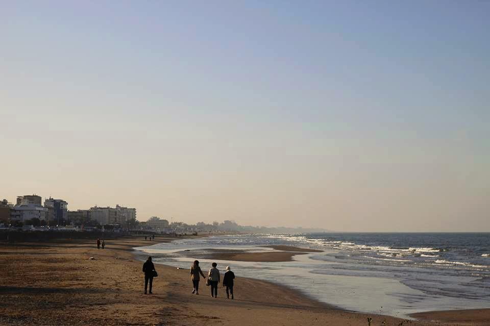 фото осенних пляжей Римини