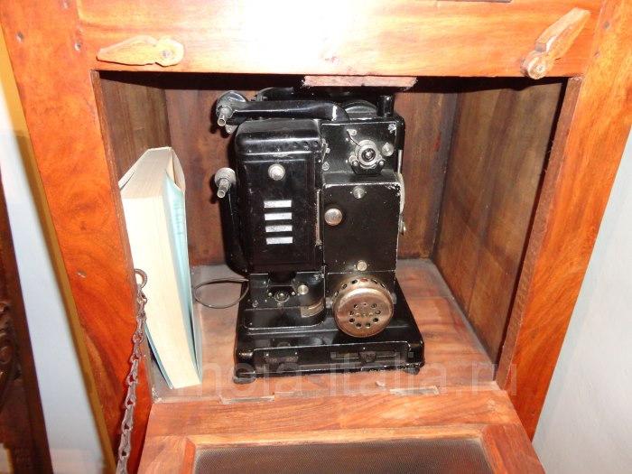 фото аппарата связи на вилле Муссолини в Преддапьо